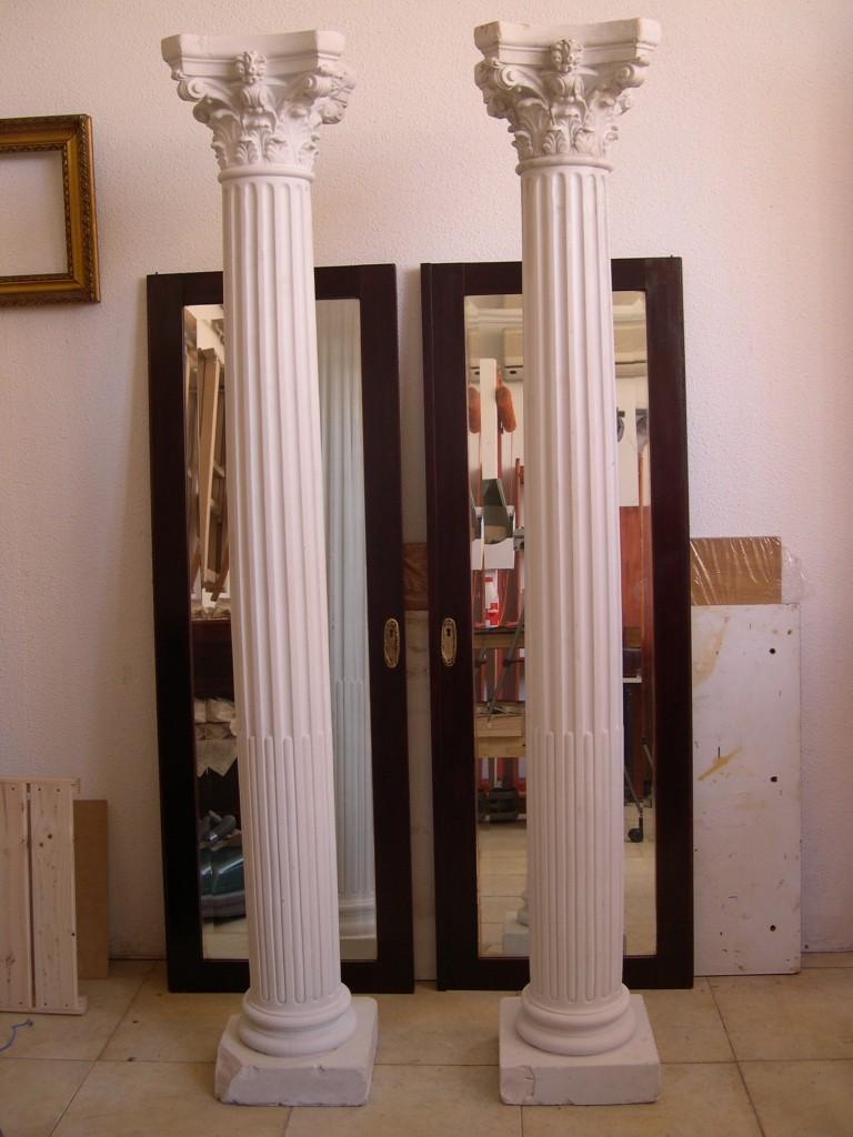 Imitaci n de madera policromada y m rmol en columnas de - Decoracion de escayola ...